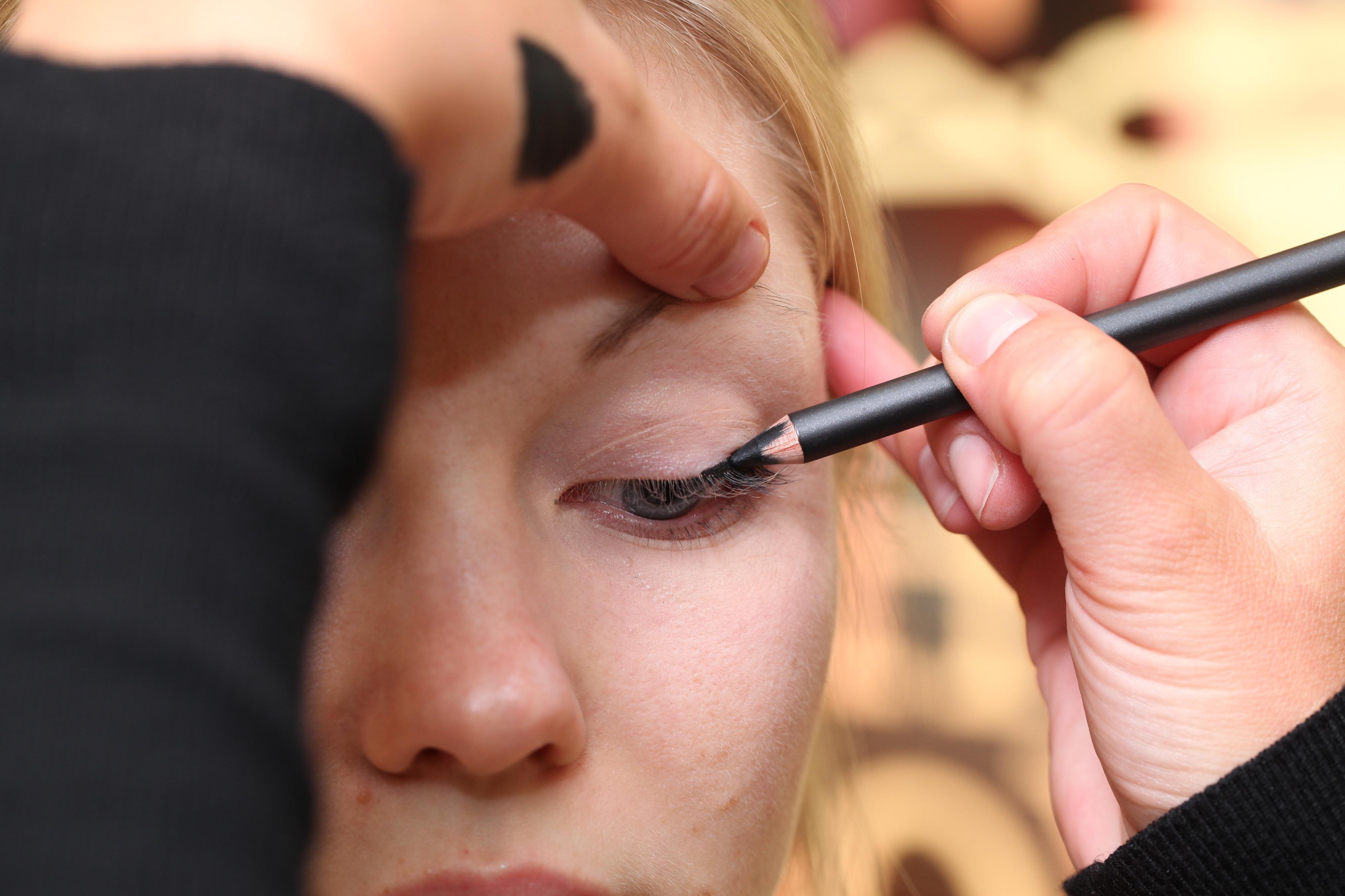 как правильно красить лицо пошаговая инструкция