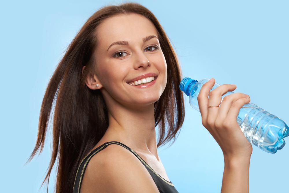 Тут есть те, кто стал пить больше воды и похудел?