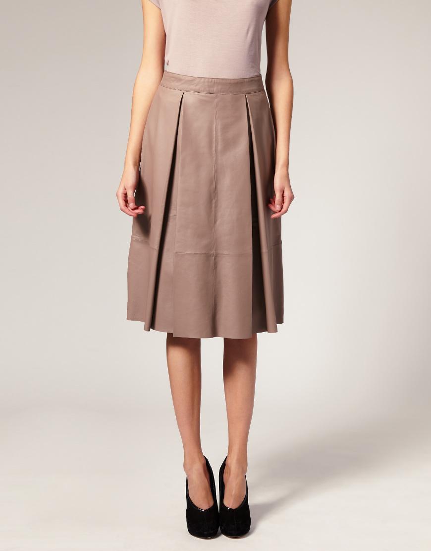 Короткая юбка из кожзама