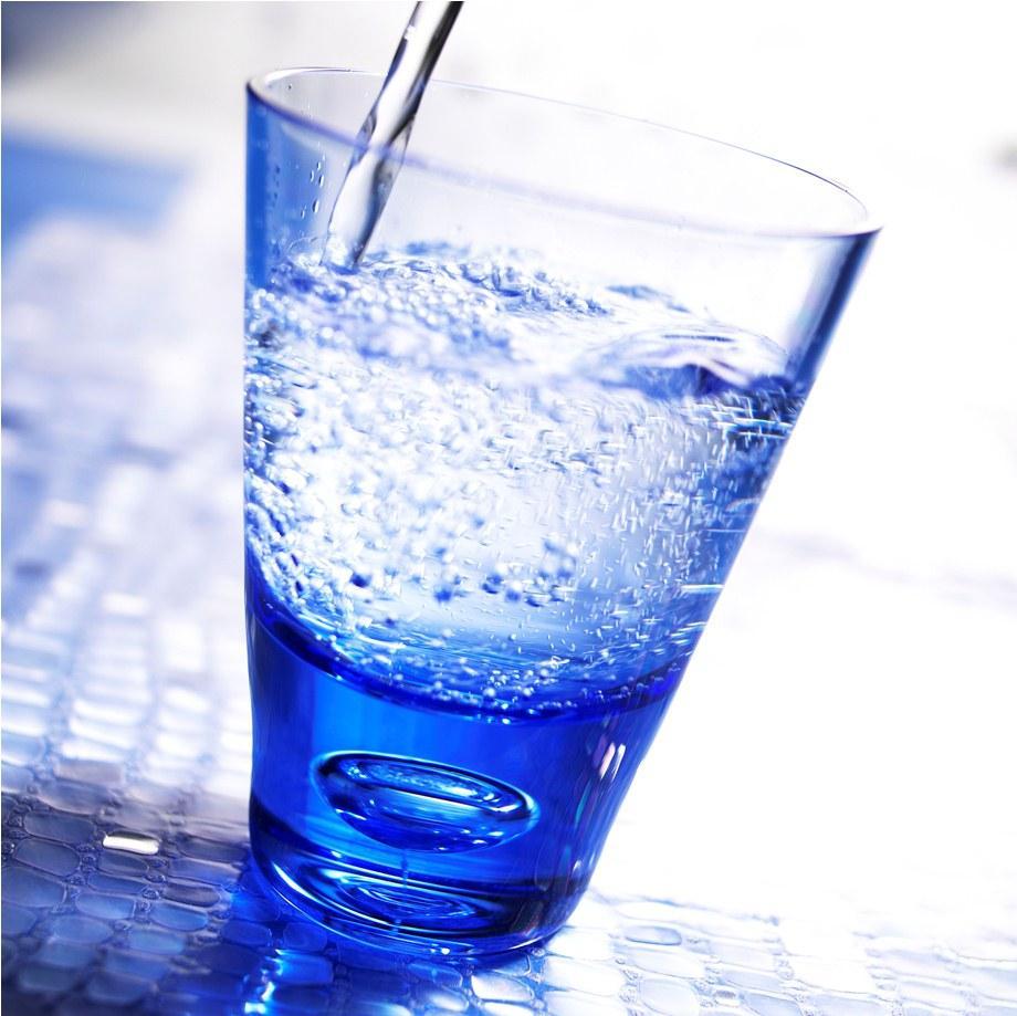 Какой должна быть вода для водного маникюра