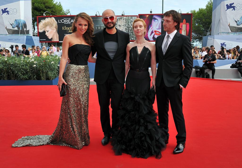 Кирилл серебренников и альбина джанабаева на венецианском кинофестивале
