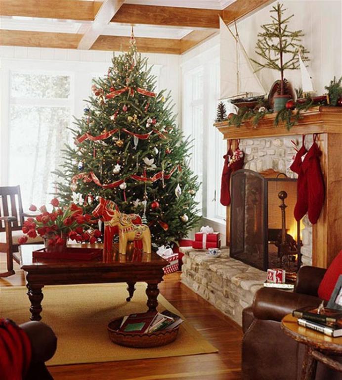 Украшение к новому году интерьера дома