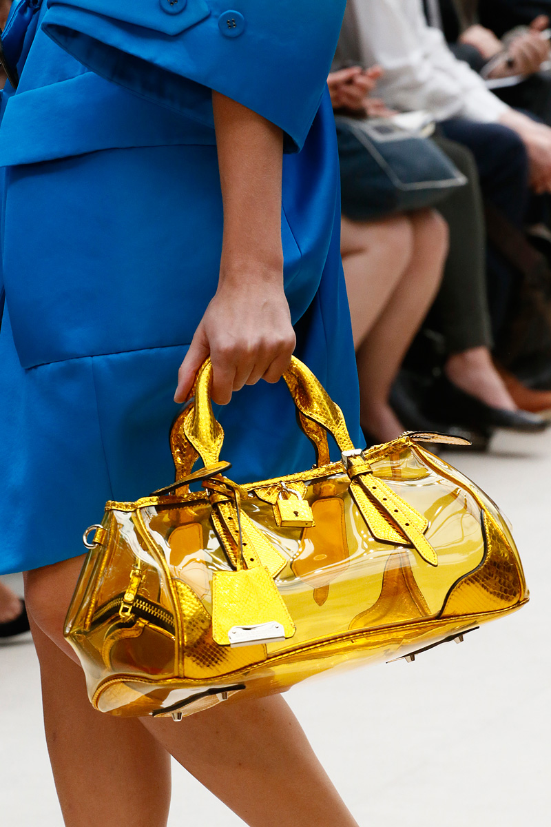 Burberry Spring 2016 Ready-to-Wear Fashion Show Details