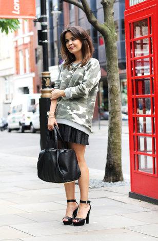 70cd5aa60 Самый спорный тренд осени: учимся носить одежду с камуфляжным принтом |  WMJ.ru