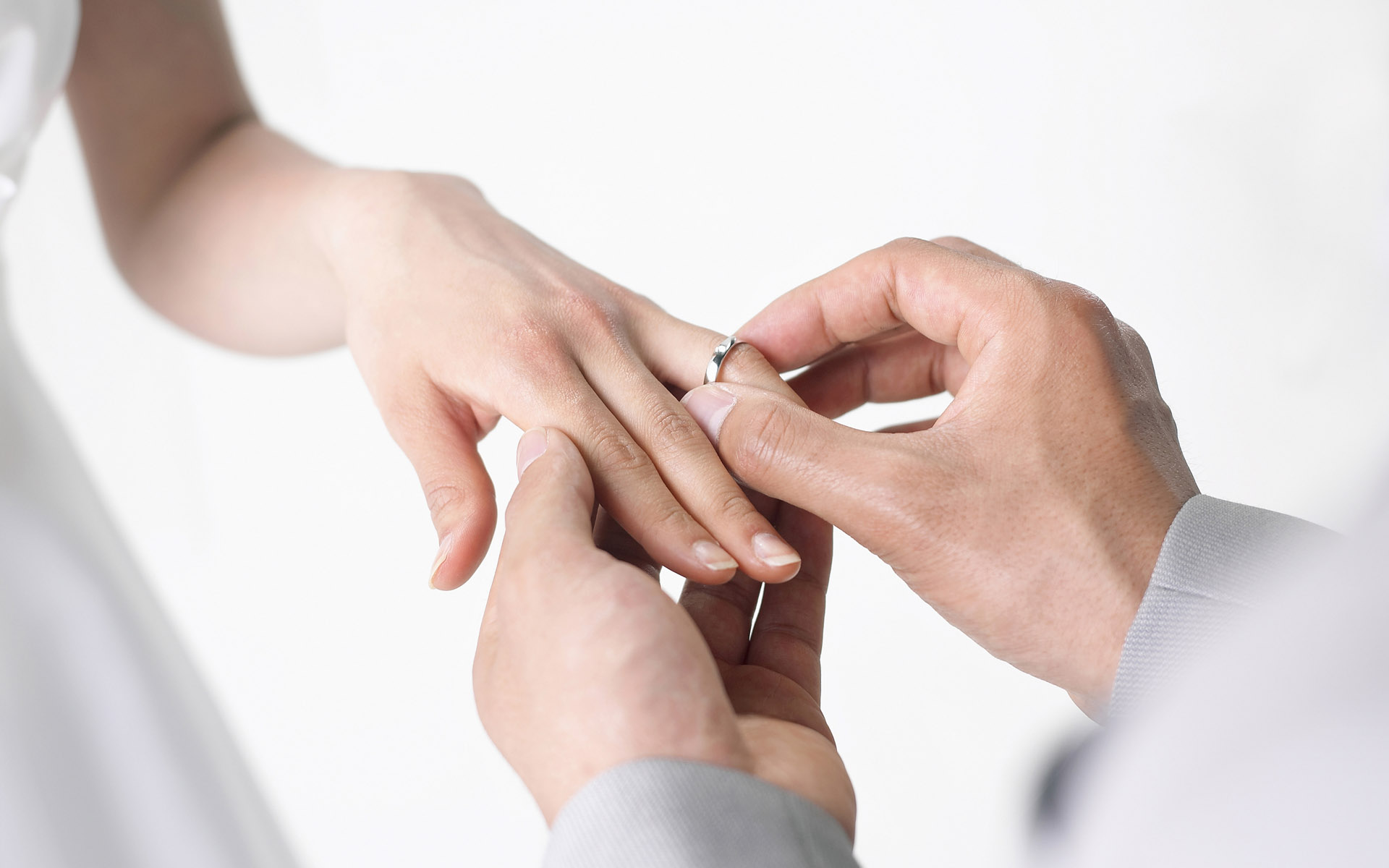 можно ли вернуть мужа с помощью обручального кольца