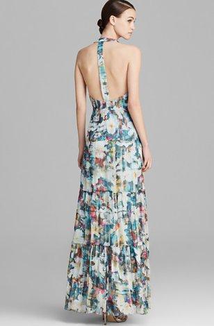 Соски в коротких платьях