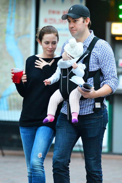Эмили блант с ребенком фото