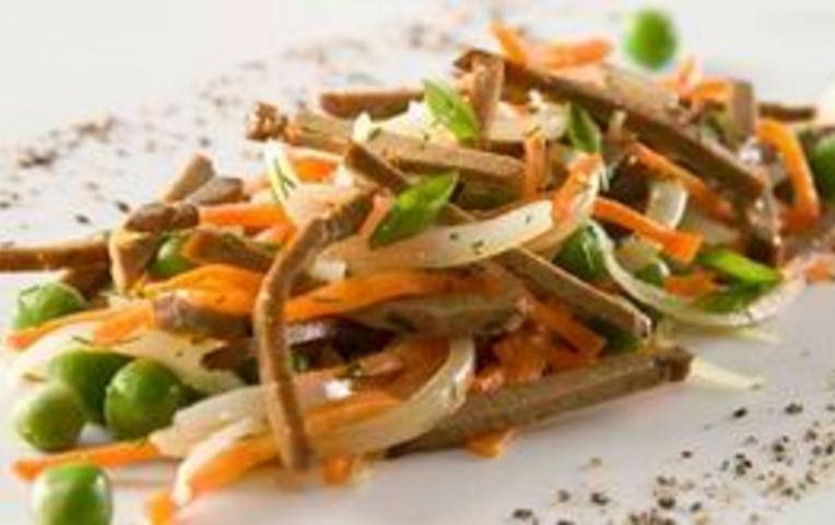 Салат из печени говяжьей рецепт с с маринованным луком и