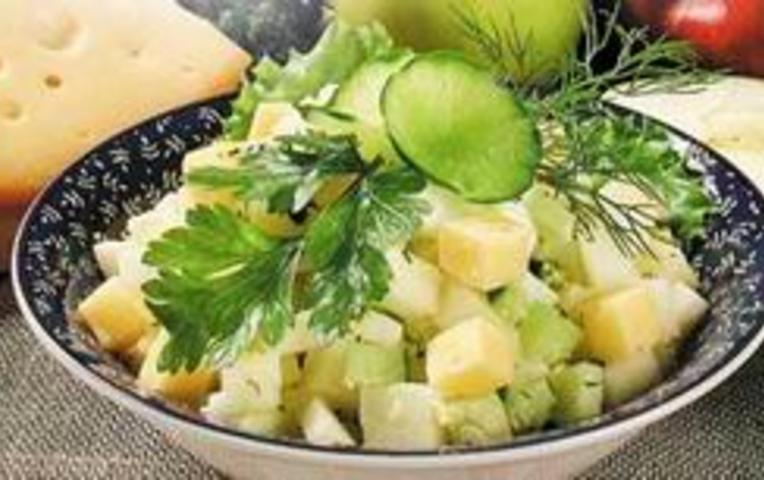Салаты с сыром и яблоком маслом