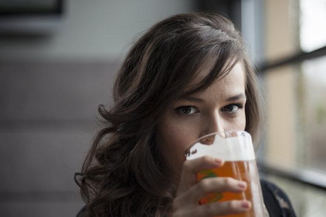 красивые пьяные девочки занимаются сэксом