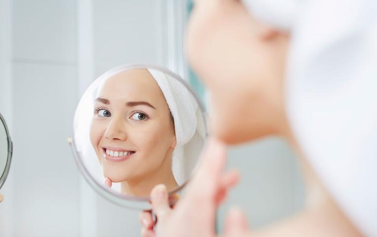 Нужно ли смывать тканевую маску для лица