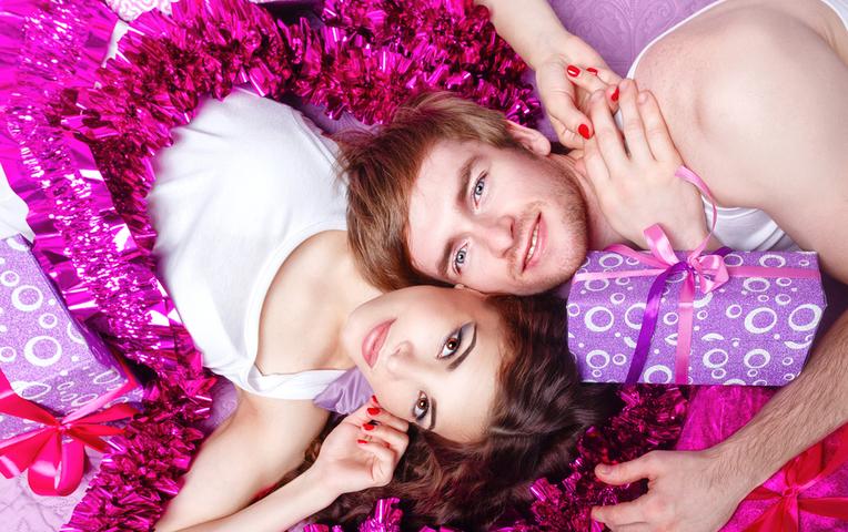 Девушки с вещами из секс шопа фото 85-775