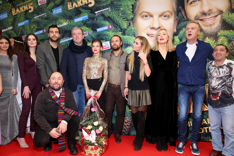 Ургант иСветлаков представили фильм «Ёлки 5» в российской столице
