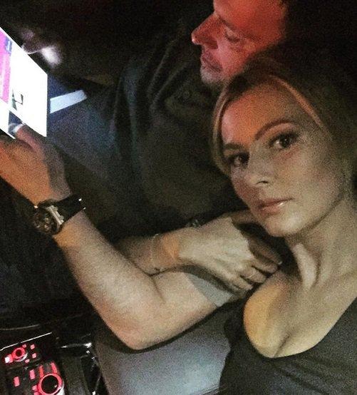 Мария Кожевникова впервый раз показала мужа: фотосессия артистки сЕвгением Васильевым идетьми