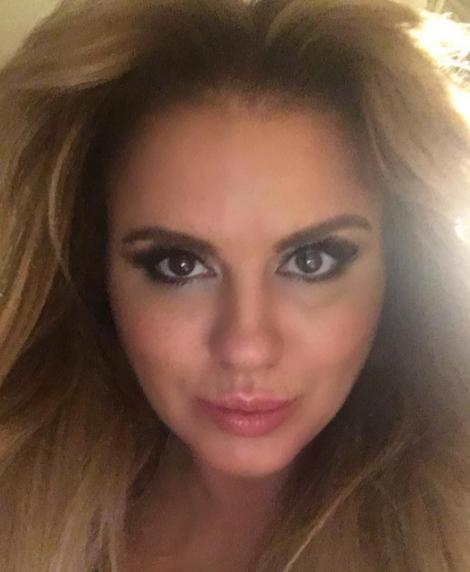 Анна Семенович порадовала фанатов новыми фото отдыха наБали