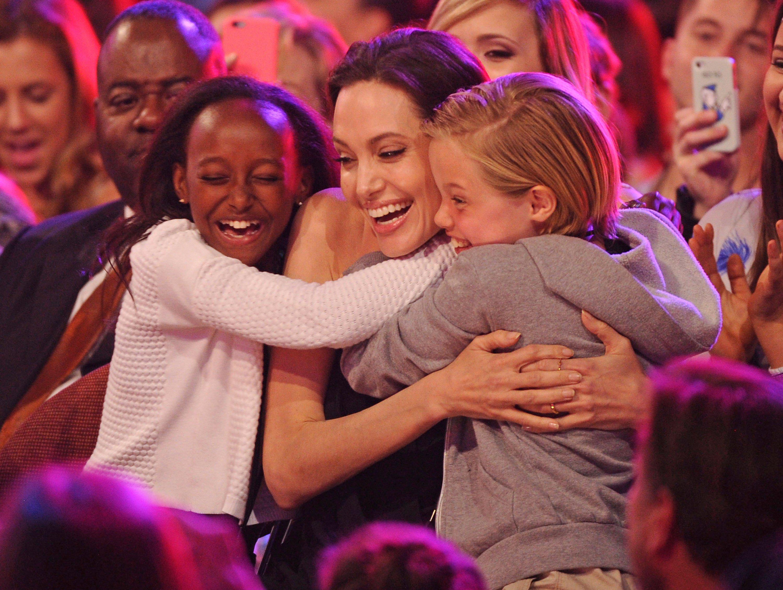 Биологическая мать Захары Джоли-Питт желает увидеться сдочерью