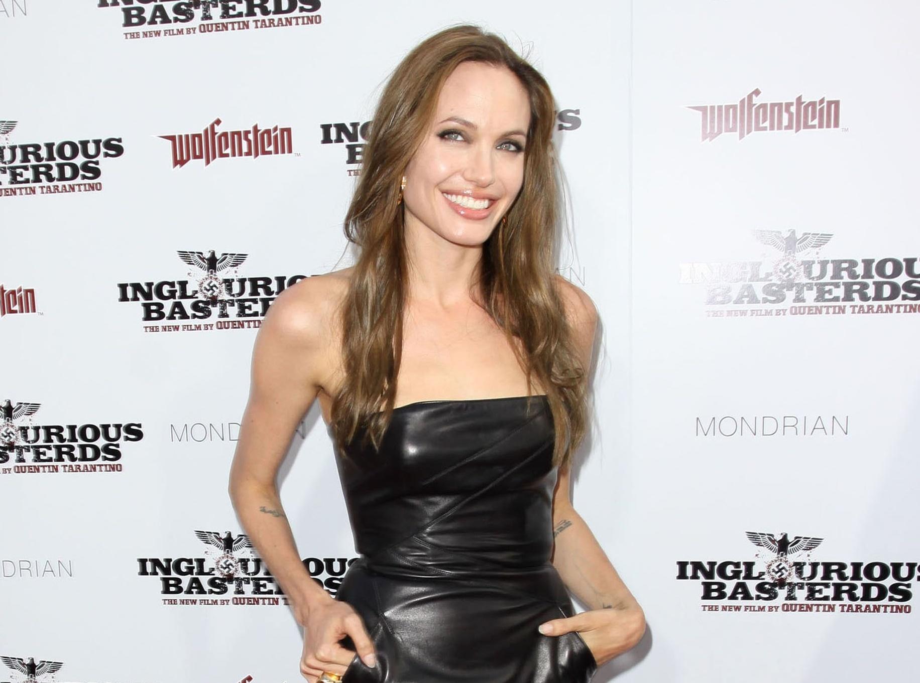 Анджелина Джоли желает усыновить еще одного ребенка