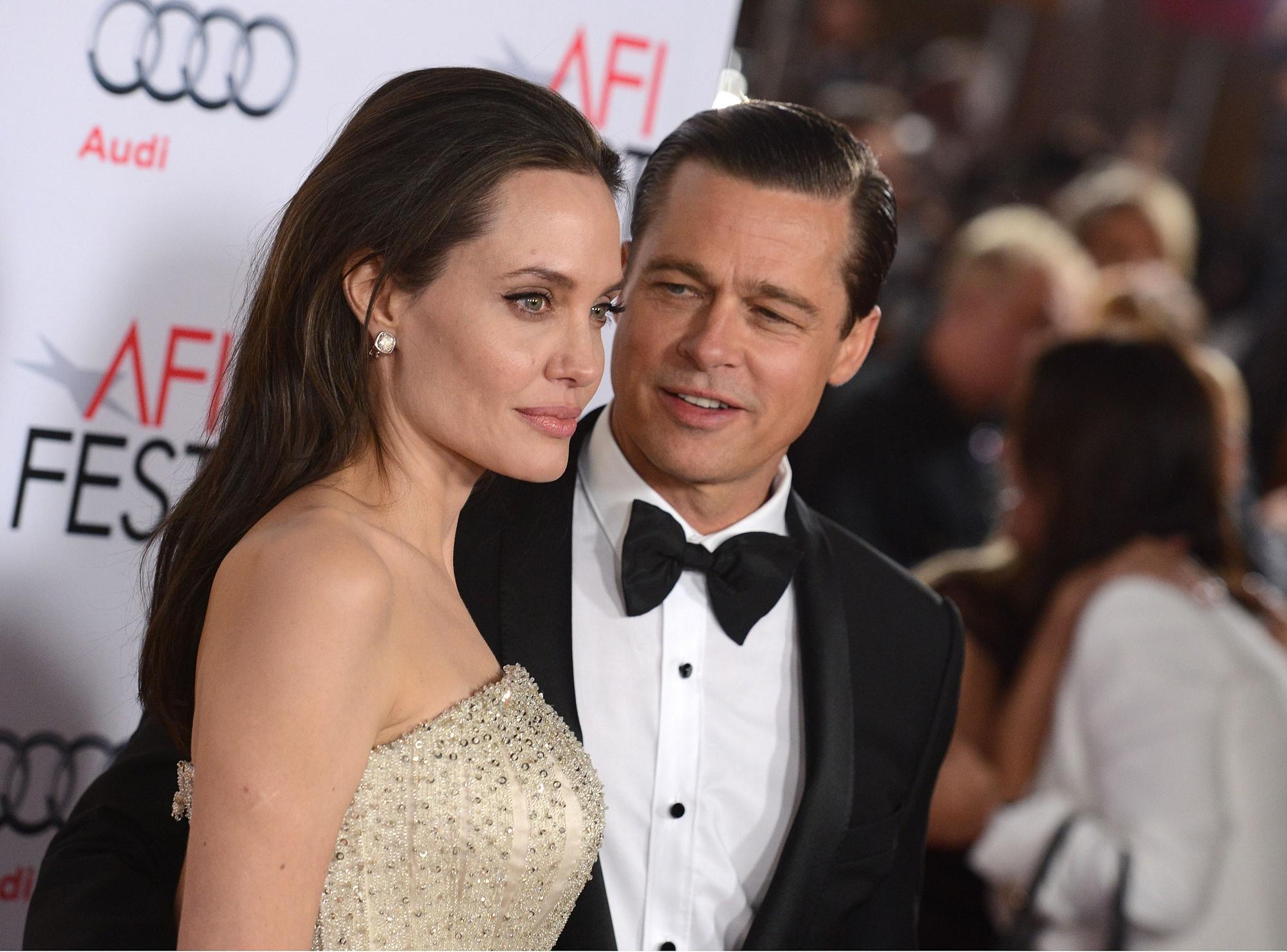Джоли желает усыновить седьмого ребенка