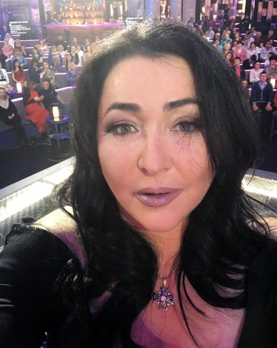 53-летняя Лолита Милявская подправила лицо иобновила прическу— Русская Моника Беллуччи