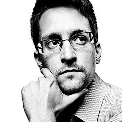Эдвард Сноуден выложил фото сдевушкой ивалентинкой