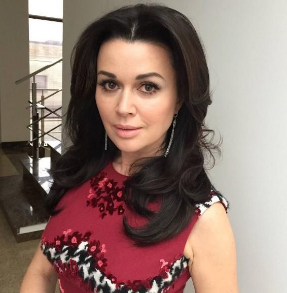 Анастасию Заворотнюк ожидает публичный суд замногомиллионные долги