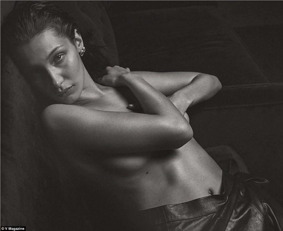 Постопам кейт Мосс: обнаженная Белла Хадид повторила известную фотосессию скандалистки