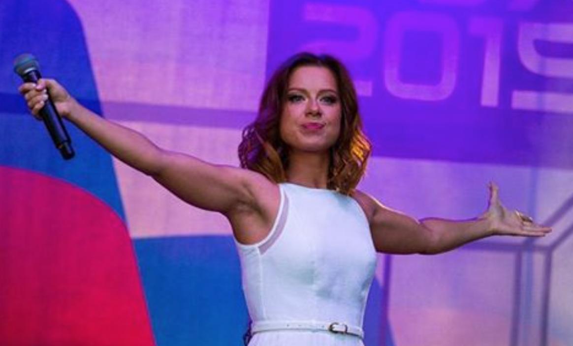 Эстрадная певица Юлия Савичева родила первенца?