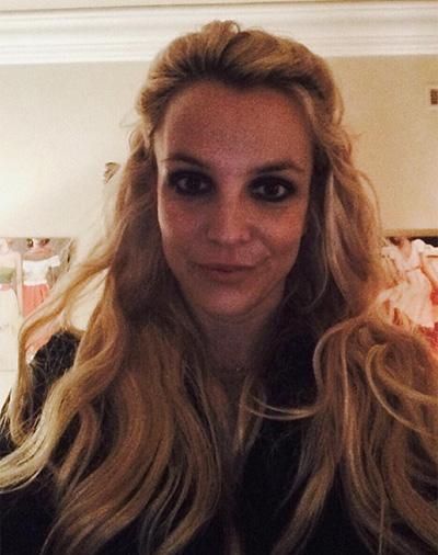 Бритни Спирс показала шикарное тело вкупальнике