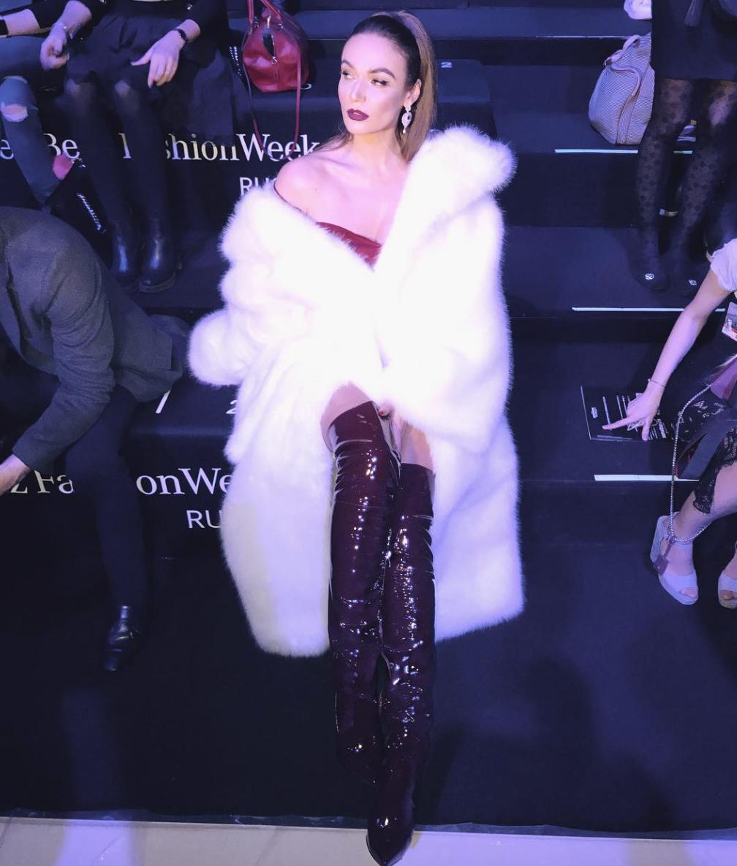 Голая Водонаева пришла наНеделю моды в столице