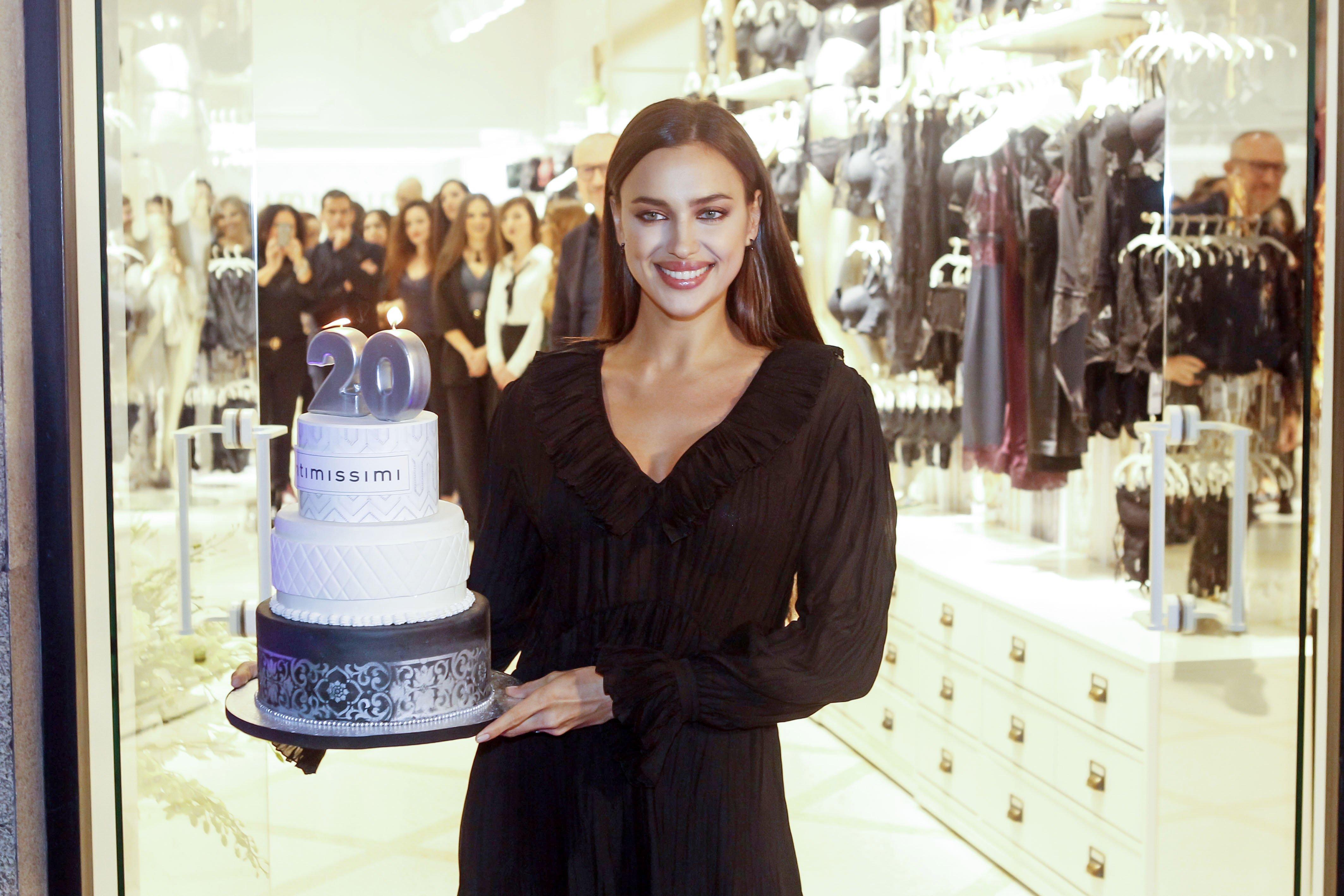Свекровь— моя любовь: Ирина Шейк отпраздновала baby shower сматерью Брэдли Купера
