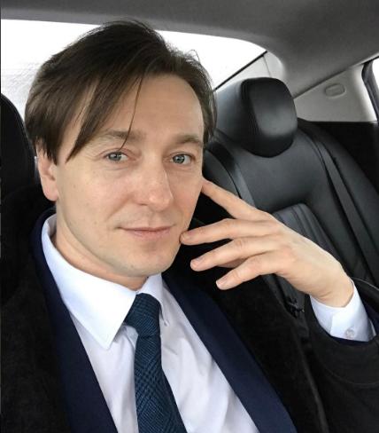 Иван Ургант предложил Сергею Безрукову сыграть трансгендера