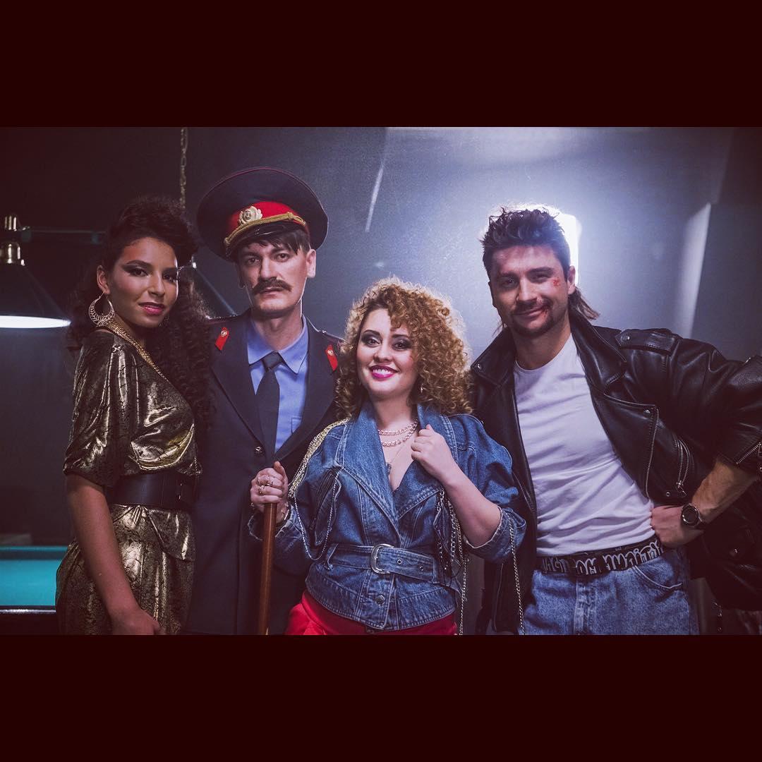 Сергей Лазарев стал рэкетиром конца 80-х в клипе «Lucky Stranger» (Видео)
