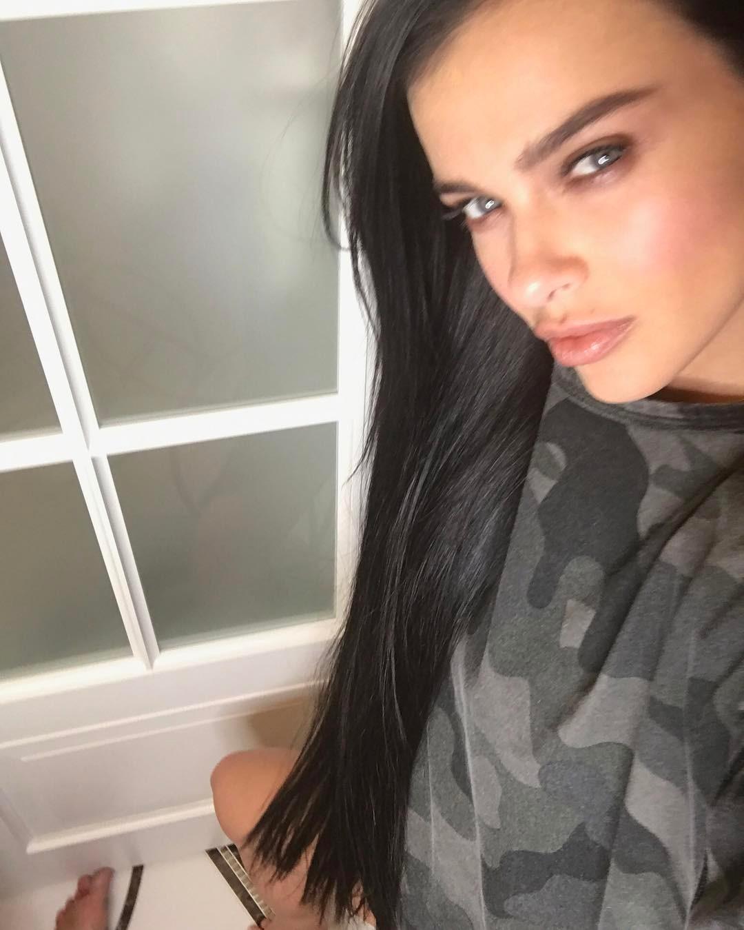 Лена Темникова о бьюти-привычках: «Не люблю кудри, люблю 6