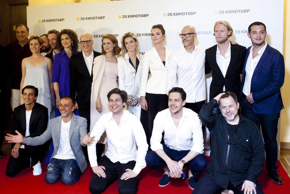На «Кинотавре» вСочи Паулину Андрееву признали лучшей артисткой