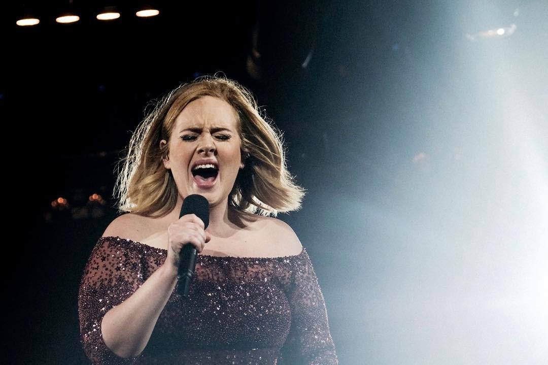 Эстрадная певица Адель поведала отрагедии, связанной с звуком