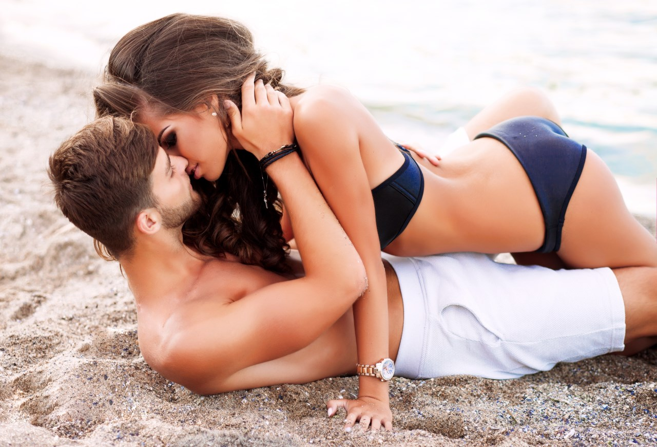 couples-sex-outdoors