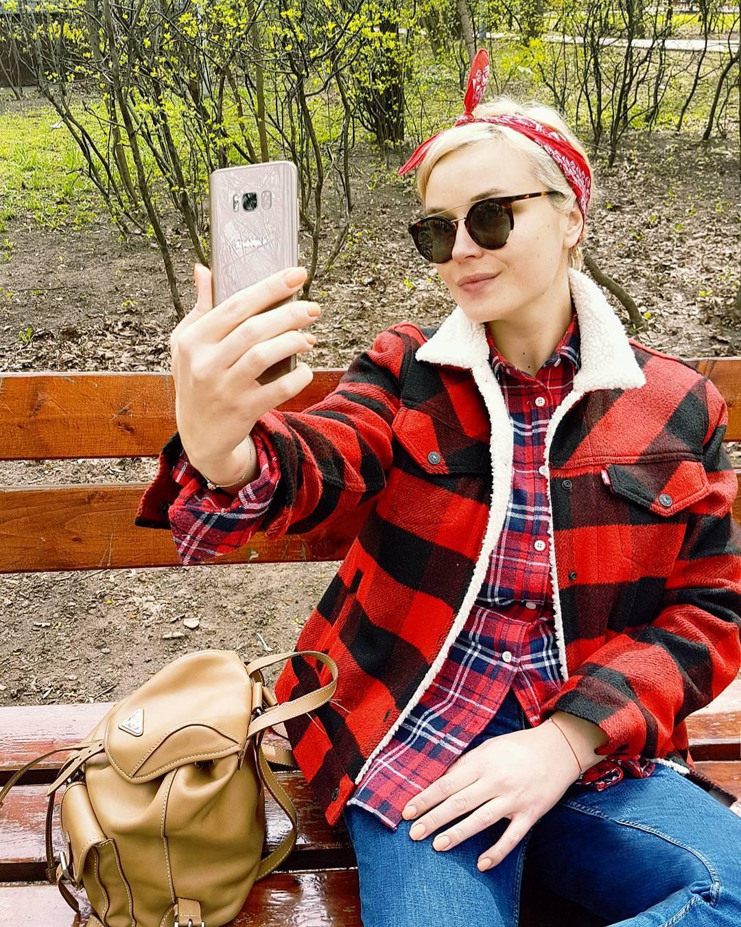 Полина Гагарина обнародовала первую после родов фотокарточку вкупальнике