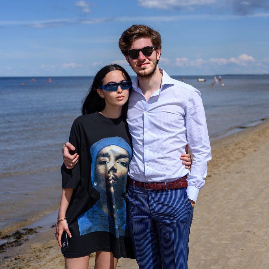 Падчерица Михаила Турецкого вышла замуж в одеяние отЮдашкина