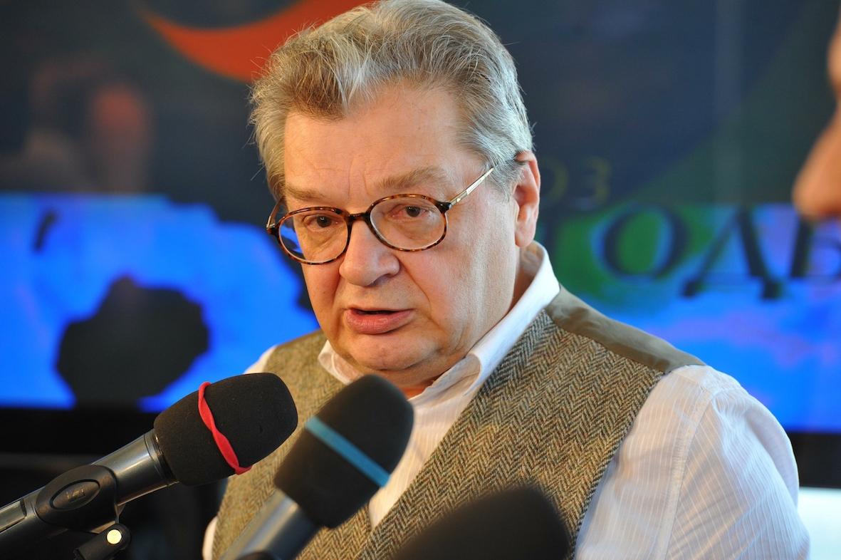 Знаменитый метео-ведущий Александр Беляев борется с тяжелым недугом