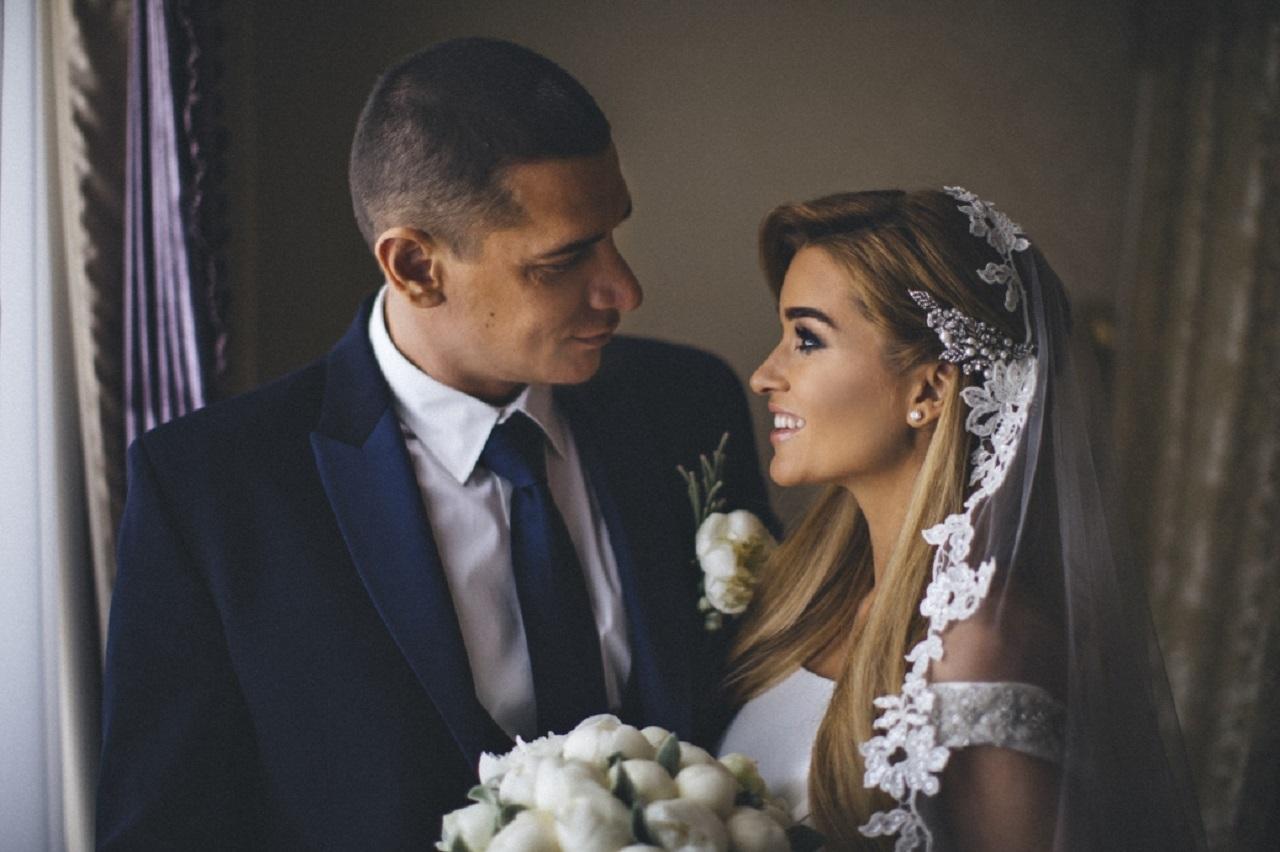 Секс прямо на свадебном банкете