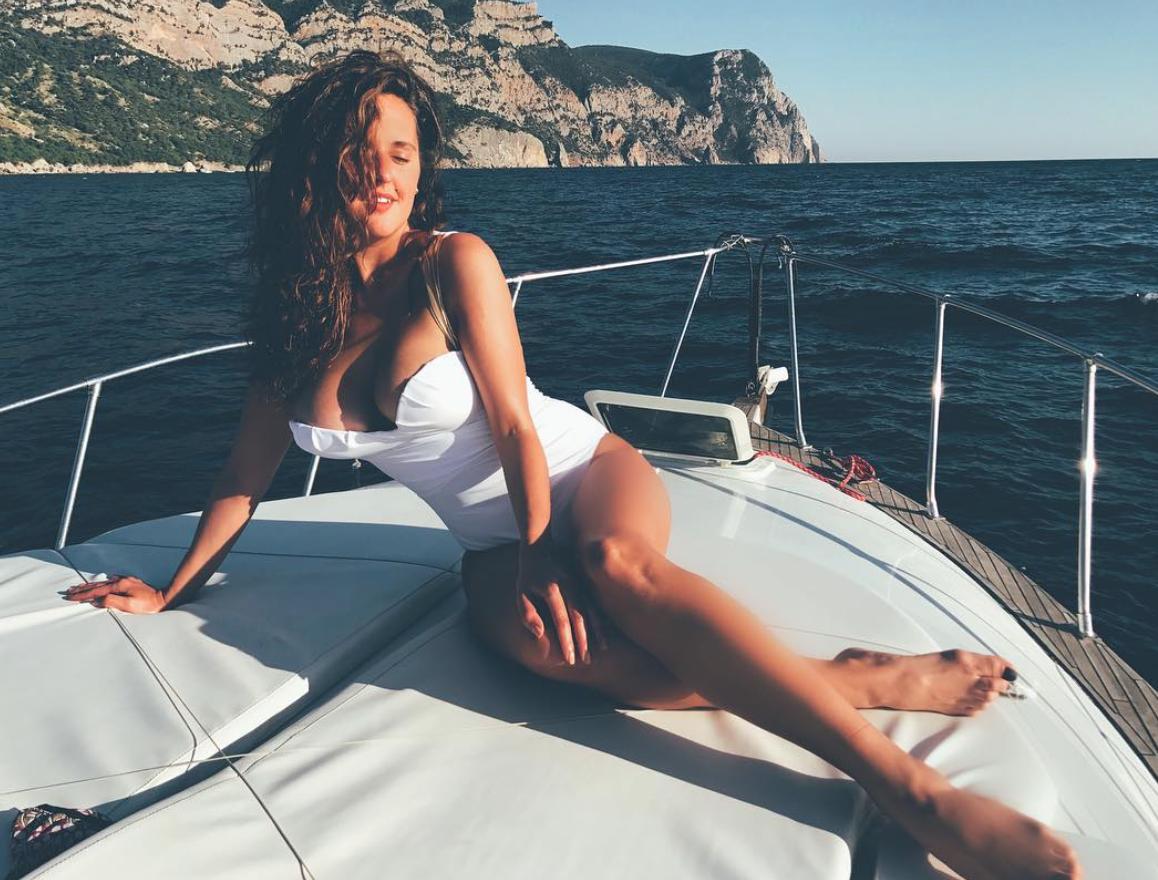 Мария Шумакова удивила почитателей откровенным снимком топлес