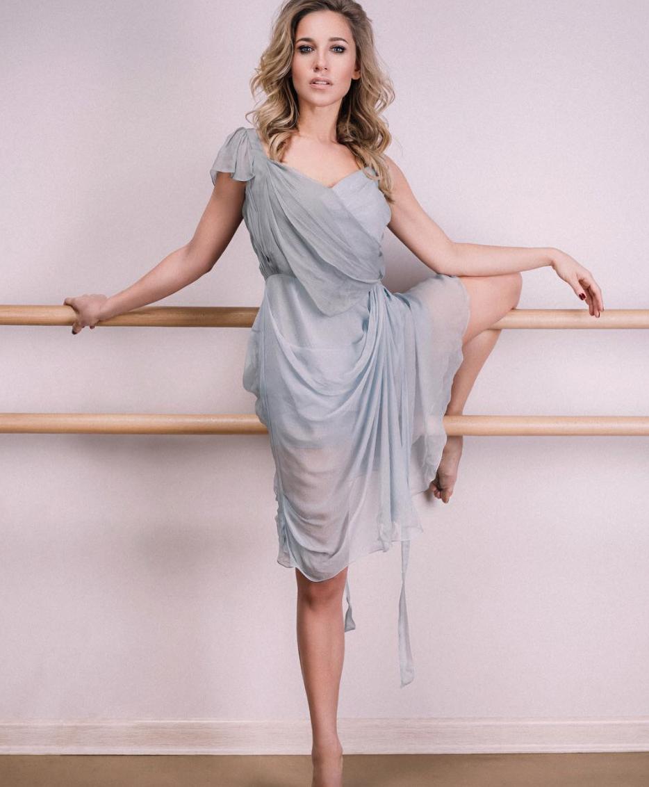 Юлия Ковальчук перестала утаивать беременность ипоказала большой живот