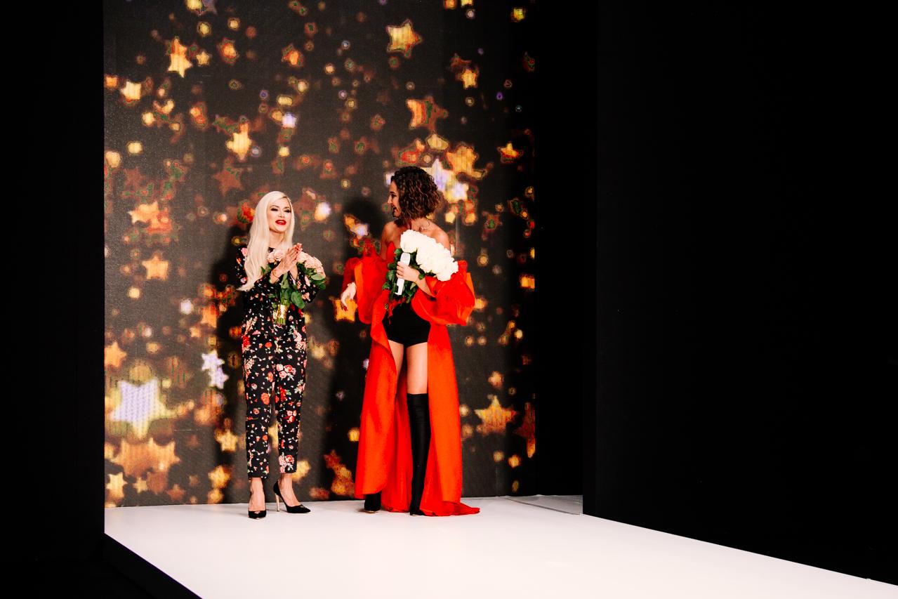 Ольга Бузова вновь появилась напублике впрозрачном одеяние