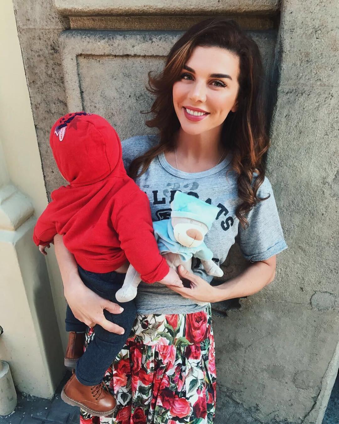 Анна Седокова впервый раз показала 7-месячного сына