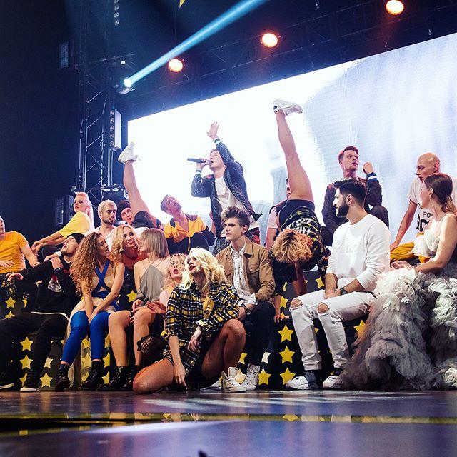 Победительницей «Новой фабрики звезд» стала 24-летняя эстрадная певица изУльяновска