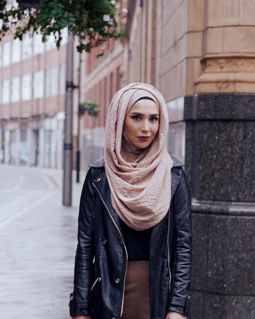 Мусульманка вхиджабе впервый раз  снялась врекламе косметики для волос