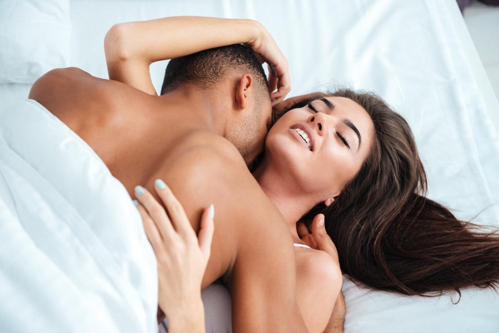 Оральные ласки и эротика любителей