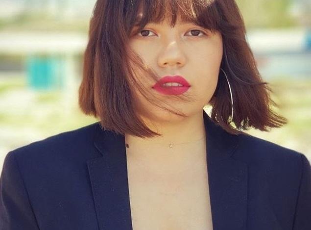 «Уважай меня!» Клип 19-летней киргизки в расстегнутом пиджаке взорвал соцсети