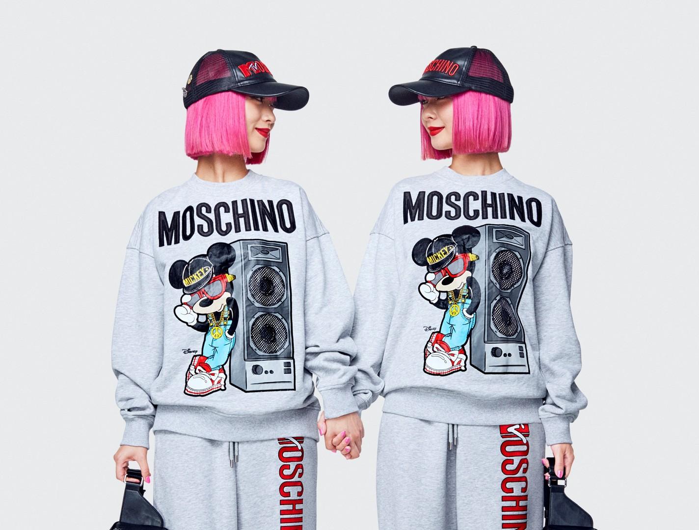 Принты в стиле поп-арт, буйство красок, россыпь пайеток и друзья Джереми Скотта в качестве моделей: смотрим лукбук Moschino x H&M;