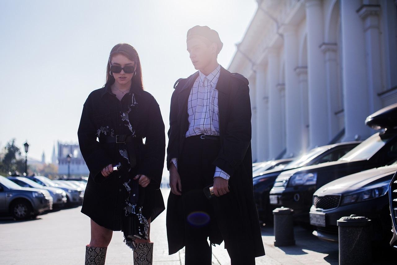 Street-style с Mercedes-Benz Fashion Week Russia: самые стильные образы гостей Недели моды и детали look'ов